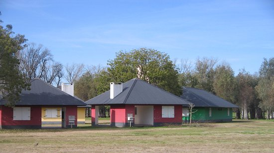 Lincoln, Argentina: Bungalows