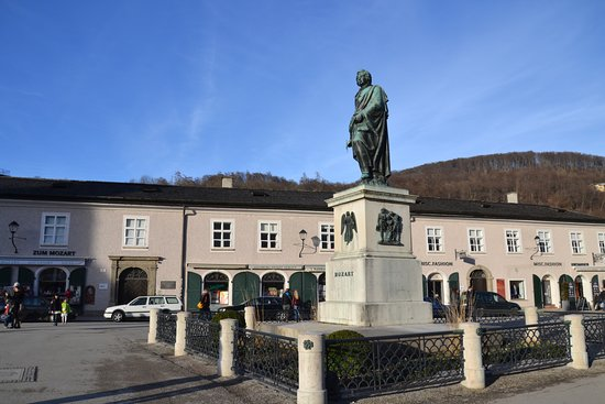 Photo of Monument / Landmark Mozartplatz at Mozartplatz, Salzburg 5020, Austria