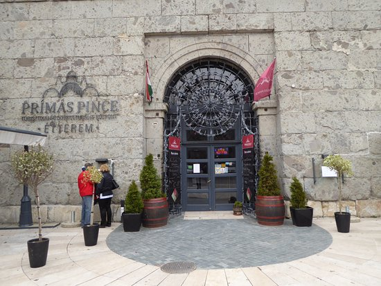 Prímás Pince: The entrance of Primas Cellar restaurant