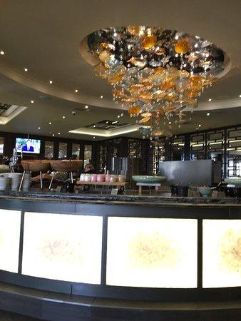 Radisson Blu Edwardian Heathrow Hotel: photo1.jpg