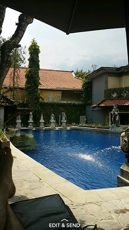 Putu Bali Villa and Spa: Screenshot_20170316-053020_large.jpg