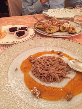 Olgiate Olona, Italia: Anche i dessert sono incredibili! Altissima qualità!