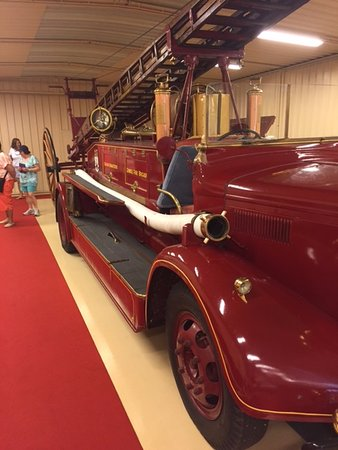 Provincia de Vizcaya, España: The only firetruck of its type not owned by the Queen of England.