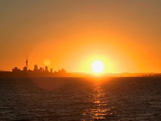 Auckland Sea Kayaks: Stunning sunset