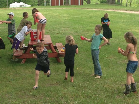 Hastings, MI: kids having fun