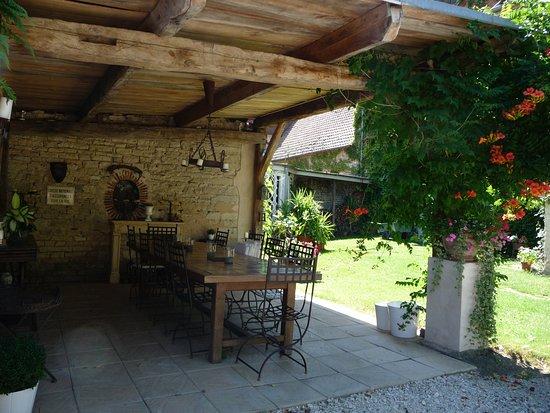 Cult, France: Salle à manger d'été