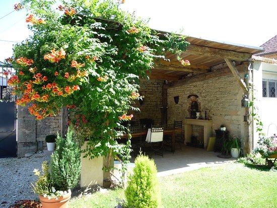 Cult, Frankrike: Salle à manger d'été