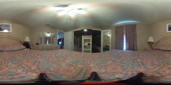 ดอนนา, เท็กซัส: 360 View of the master bedroom with the camera center of the bed