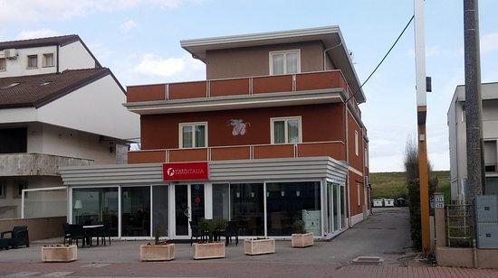 Hotel albergo italia porto tolle italien hotel for Tolle hotels