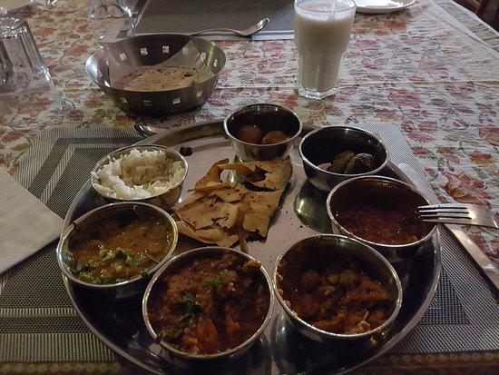 Hocus Pocus  Mystic Panorama Restaurant: A delicious Thali