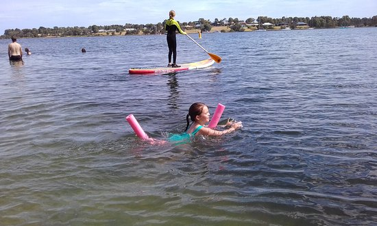 Paynesville, Australia: Great place to cool off after your walk.