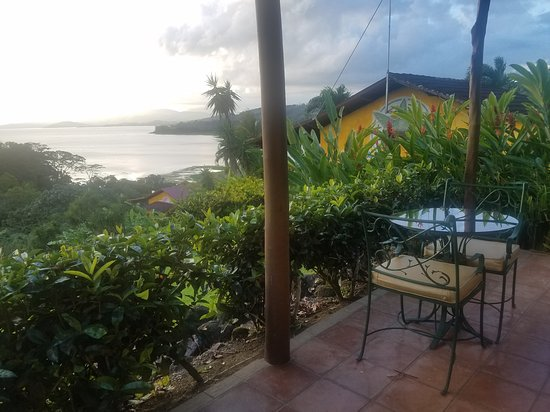 La Mansion Inn Arenal Hotel: View from front patio of villa 4
