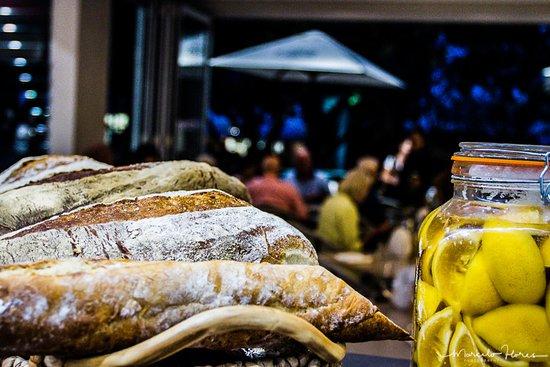Peregian Beach, Australia: Fresh bread