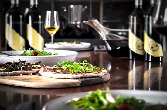 Marananga, Australia: Enjoy a private lunch and Two Hands' Flagship Series as part of the Flagship Vineyard Experience