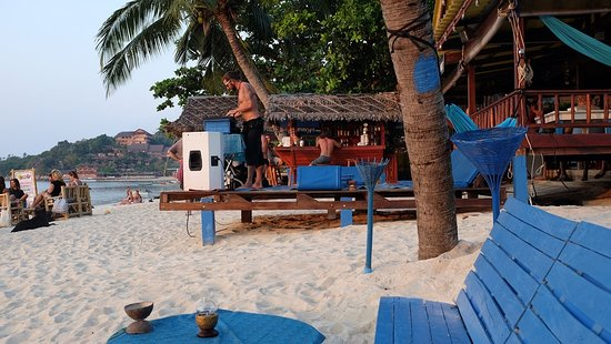 Some tunes being played on Haad Yao Beach