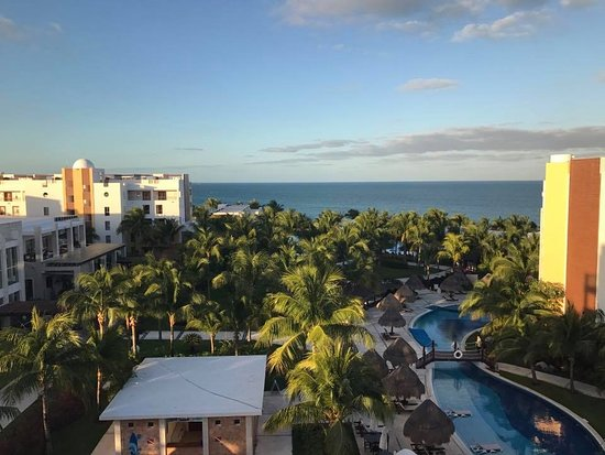 Excellence Playa Mujeres: View from room 7455 (supposedly oceanfront- but more like oceanview)