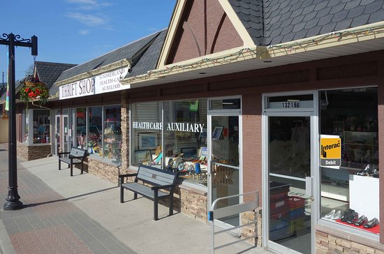 Summerland Health Care Auxiliary Thrift Shop