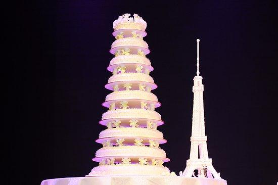 Romantic Eiffel Tower Wedding Cake 浪漫埃菲爾鐵塔幸福婚禮蛋糕 ...