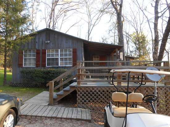 Stag Leap Country Cabins & Extended Stays: Outside of Hart's Landing Cabin.