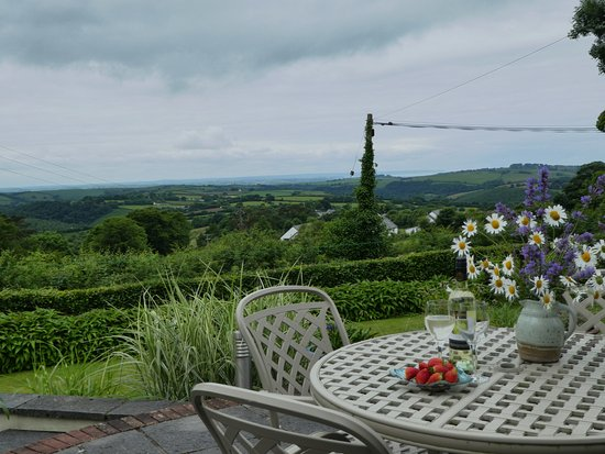 Bratton Fleming, UK: Private patio with a 35 mile view