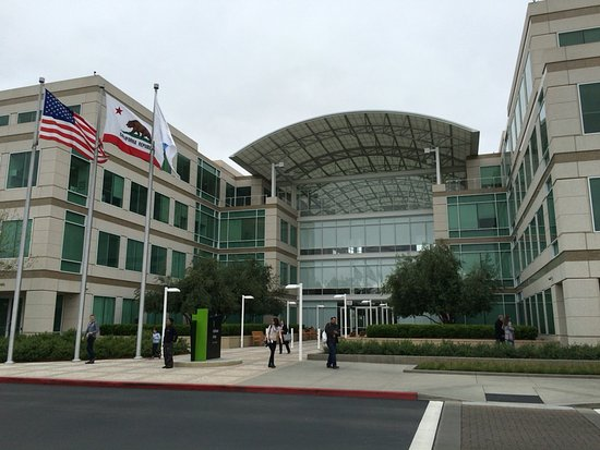 Photo of Monument / Landmark Apple Inc. at 1 Infinite Loop, Cupertino, CA 95014, United States
