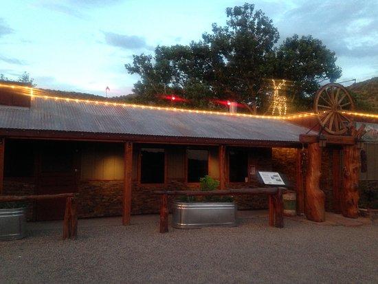 Cornville, AZ: Up The Creek's lowkey facade