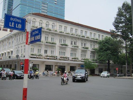 โรงแรมคอนติเนนตัลไซ่ง่อน: ホテル外観