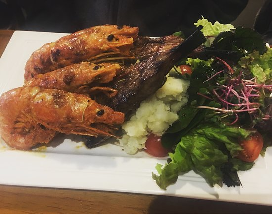 Pyeongtaek, South Korea: Lamb chops, prawn, mashed potatoes creamed spinach, & salad. Yummy! I didn't get a pic of the ch
