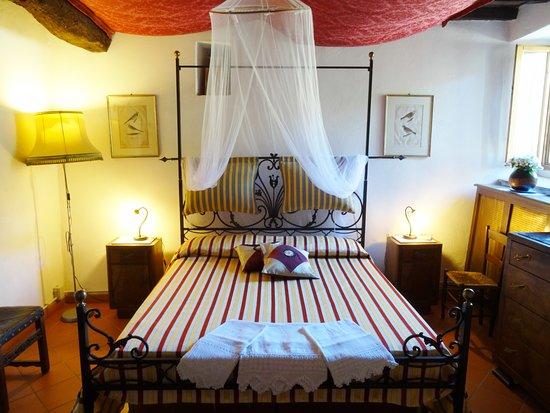 Agriturismo Podere Tegline : Camera matrimoniale Appartamento Tegline
