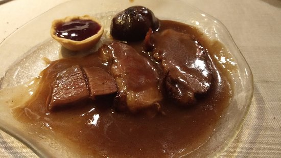 Restaurante La Palmera: Magret de pato con salsa Porto y cebollas confitadas