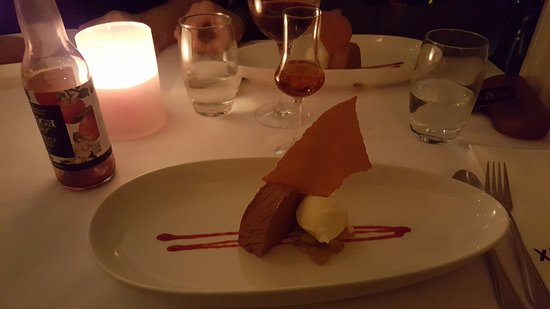 Xich Lo: Dessert - chocolate mousse with ginger ice cream
