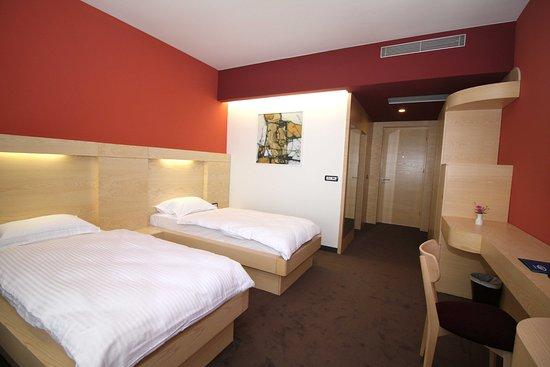 """Résultat de recherche d'images pour """"Hotel International Prishtina & Spa"""""""