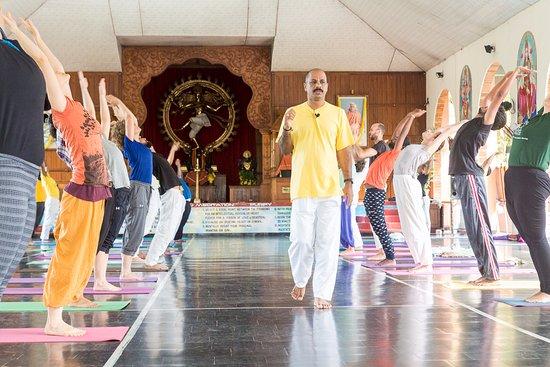 Yoga Asana Practice In Siva Hall Picture Of Sivananda Yoga Vedanta Dhanwantari Ashram Thiruvananthapuram Trivandrum Tripadvisor