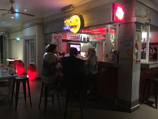 ذا إفيتور هوتل أو آر إنترناشونال إيربورت: Bar