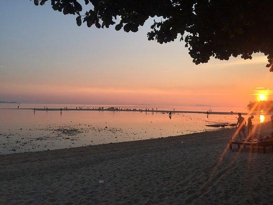 V-View Beach Resort: photo1.jpg
