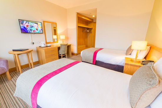 Knock House Hotel: TWIN ROOM