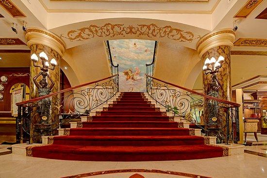ROYAL ASCOT HOTEL - Review of Royal