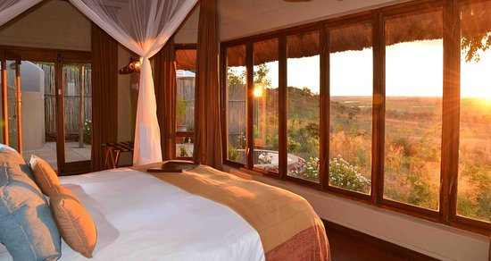 Ngoma Safari Lodge: Lodge with view of Chobe Floodplains