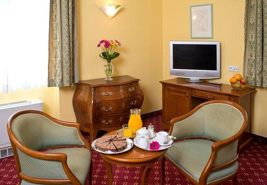 Photo of Hotel Alcazar Guadalajara
