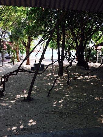 Milky Bay Resort Restaurant: photo4.jpg