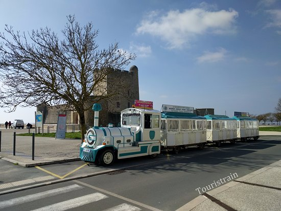 Fouras, France : Devant le Fort Vauban. Parking gratuit
