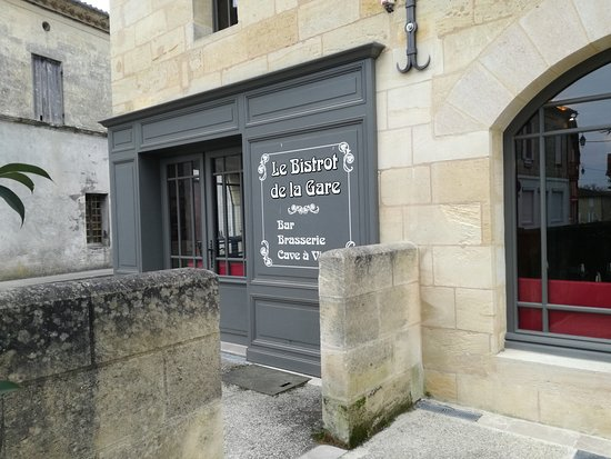 Puisseguin, Frankrig: Le bistrot de la gare