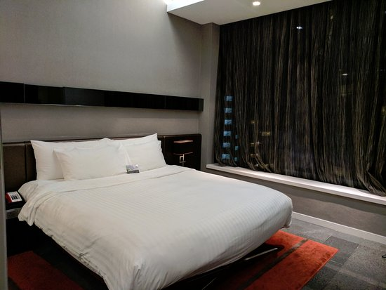 The Quincy Hotel by Far East Hospitality: Bed
