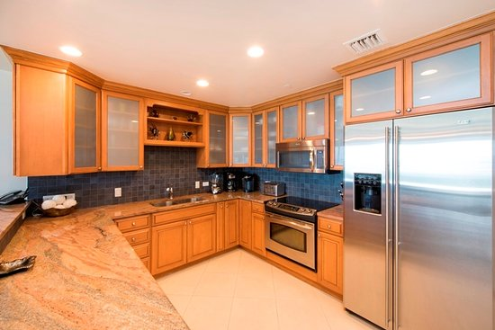 Beachcomber Grand Cayman: Fully equipped gourmet kitchens