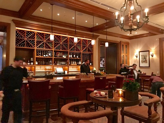 Gold Cup Wine Bar: Gold Cup bar