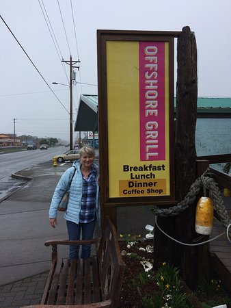 Rockaway Beach, OR: This restaurant has great food. We stopped for lunch and had chicken tortilla soup which was the