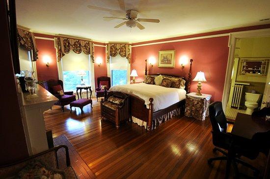 The Oliver Inn : The Clem Studebaker Room