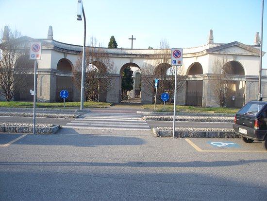 Cimitero Comunale Cernusco sul Naviglio