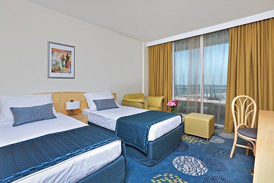 Globus Hotel Image