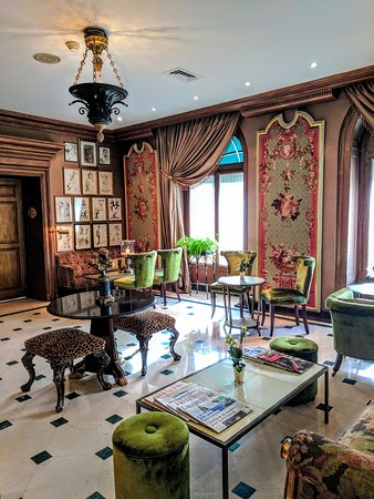 Hotel d'Angleterre: Lounge upon arrival